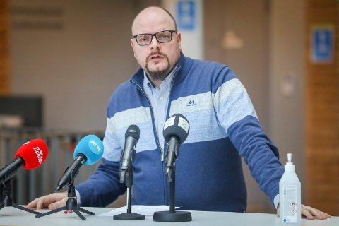 PÅ JOBB: Øivind Benjaminsen, sjef for koronasenteret i Tromsø, forventer flere tilfeller de neste dagene. Nå har de styrket smittesporingsteamet.