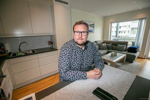 HJEMMESKOLE: Erlend Svardal Bøe er redd for at elever også i Tromsø har fått dårligere faglig utbytte som følge av koronastengte skoler og hjemmebasert undervisning.