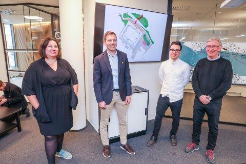 HØRTE PÅ: KOBY-leder Tone Marie Myklevoll og TIL-direktør Øyvind Alapnes lyttet med stor interesse til planene som Mads og Øystein Nermo presenterte.