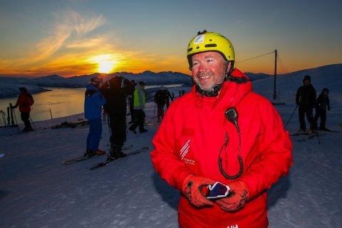 HÅPEFULL: Jon Håkonsen i Tromsø Alpinpark håper å få oppgradert de snart 40 år gamle heisene i vinter.