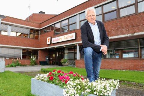 SMITTE: Øivind Korsberg forteller at kommunen har hatt et relativt lavt smittetrykk de siste ukene.