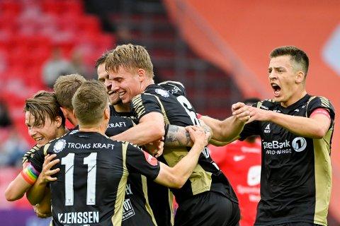 JUBEL: TIL-spillerne kunne slippe jubelen løs etter Kent-Are Antonsens tidlige scoring. På slutten av kampen fikk Niklas Vesterlund en eventyrlig mulighet, men avslutningen fra den danske innbytteren var for dårlig.