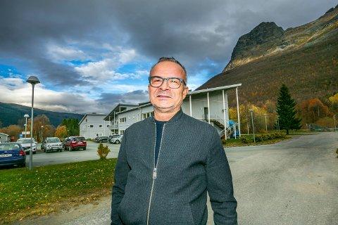 DRO TIL GRENSA: Rådmann i Storfjord, Willy Ørnebakk, dro selv til den finsk-norske grensa ved Kilpisjärvi/Perskogen mandag.