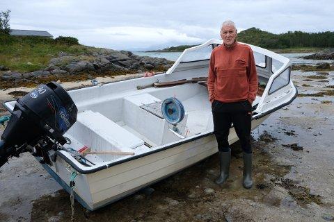 PROTESTERER: Fritidsfisker Bjørnar Dragøy er sterk motstander av et nytt oppdrettsanlegg i Halsvær på Sør-Senja.