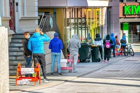 ØKENDE SMITTE: Det er meldt om 20 nye koronatilfeller i Tromsø de siste to dagene. Smitten øker nå kraftig over hele landet.