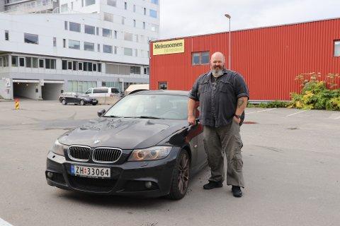 GÅR SOM EI KLOKKE: Stein Helge Eilertsens dieselbil går som bare det - og da ser han ingen grunn til å hive seg på elbil-bølgen.