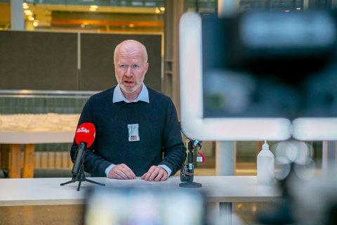 HØYE SMITTETALL: Smittevernoverlege Trond Brattland
