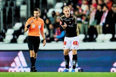 TILBAKE MED ET SMELL: Zdenek Ondrasek vartet opp med assist og scoring i TIL-comebacket sitt. Men på overtid av overtiden scoret RBK, og TIL må reise tomhendt hjem igjen.