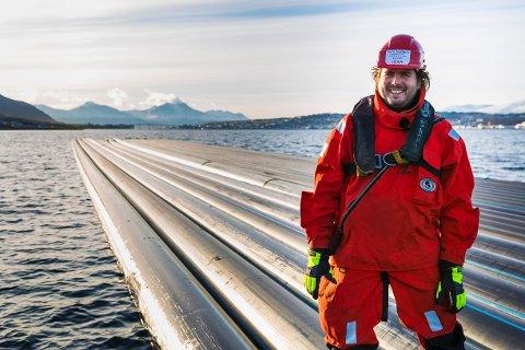 HARD TØRN: De ansatte i Arctic Seaworks møtte store problemer da vannledningen skulle legges over Tromsøysundet. Her teknisk sjef Bernt Døhl. Foto: Marius Fiskum.