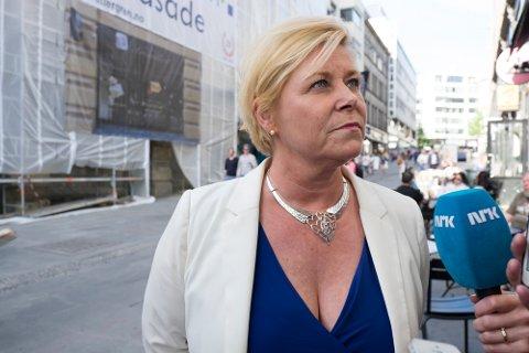 Finansminister Siv Jensen etter møtet.  Foto: Torstein Bøe / NTB scanpix