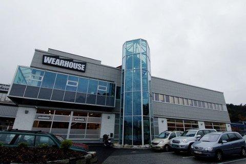 ABBs Philip Hauge-virksomhet overdras til Demas, som fortsetter aktivitetene til høyre i dette bygget i Fyllingsdalen i Bergen.
