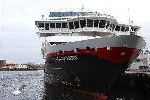 Hurtigruten AS har ubetalte inkassoregninger på flere millioner kroner.