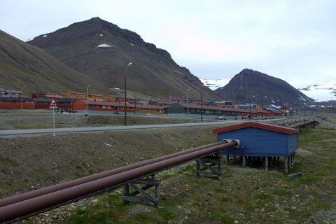 Avløpsvannet transporteres tre kilometer ut i Adventfjorden på 50 m dybde 24 timer i døgnet.