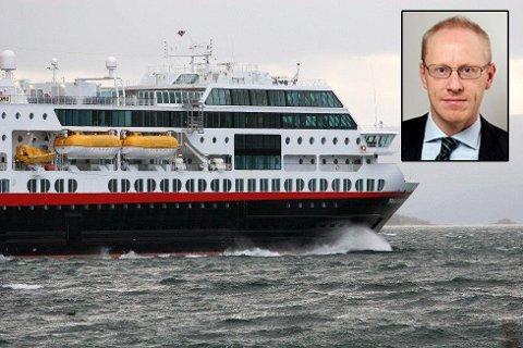 PÅ ANBUD: Ekspedisjonssjef Fredrik B. Arnesen i Samferdselsdepartementet sier at dette er en svært stor og viktig kontrakt.