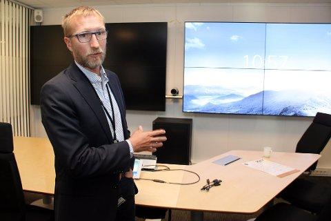 KONTROLLROM: På dette kontrollrommet kan Rune Sørra få med seg et tverrfaglig team på storskjermene for å diskutere hvordan de skal ta skattesvindlerne.