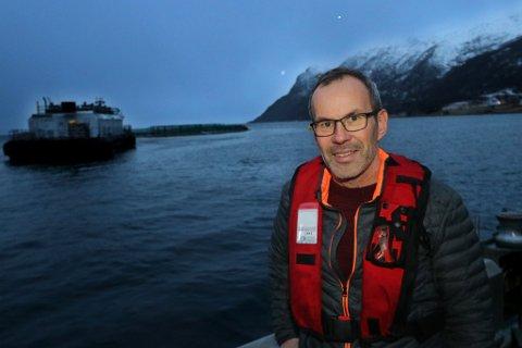 RAMMET AV ALGER: Bengt Frode Hansen i Sjurelv Fiskeoppdrett.