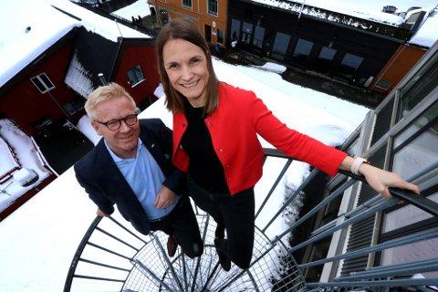 SER OPP OG FRAM: F.v: Styreleder Stein Windfeldt og adminstrerende direktør Trude Nilsen i i Næringsforeningen i Tromsøregionen.