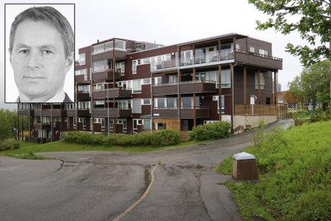 LEKK: Bjørn Arne Jakobsen (innfelt) i advokatfirmaet Rekve, Pleym & Co, representerer Workinnmarka Boligmarka 2.