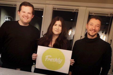 SLUTT: Andreas Giæver Nilsen, gründer og styreleder Katarzyna Lukaszek og kokk og medeier Bartosz Michal Nowakowski ved lanseringen av Frehsly Box i januar 2019. Nå er oppbud meldt, etter at driften opphørte allerede i desember i fjor.