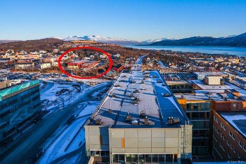 UNN-NABO: Denne eiendommen, kloss inntil sykehusområdet i Tromsø, er nå til salgs.