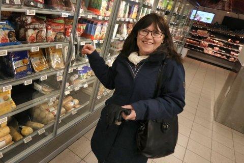 KAMPEN OM HYLLEPLASS: Torunn Søresen, ny dalig leder hos Ingebrigtsen Kjøtt AS, skal ta opp kampen med de store nasjonale kjedene på kjøttpålegg og pølser.