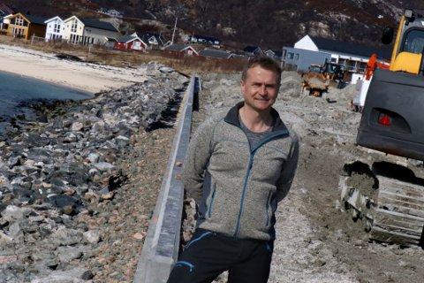 - POLITISK SPILL: - Jeg sitter igjen med inntrykk av at vi ble brukt i et politisk spill, og sitter igjen som syndebukker, sier Lars Helge Molia.