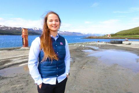 NY SJEF: Liza-Marie Widnes Isaksen (27), opprinnelig fra Gildeskål i Nordland, flytter nå til Tromsø for å bli driftssjef ved det nye smoltanlegget i Dåfjord.