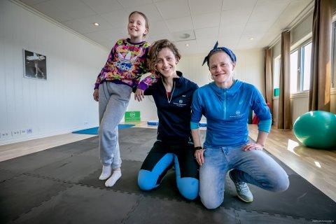 EKTE FAMILEBEDRIFT: Elise Johanne Kviteberg, Mari Grønlund Kviteberg og Elin Grønlund Kviteberg har alle en rolle i etableringen av Tromsø Kiropraktikk & Helse AS.