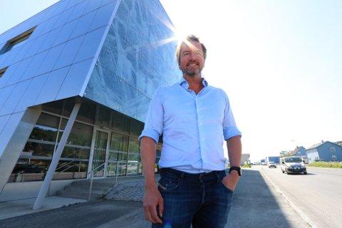 SOLGLIMT: Erlend Sundstrøm er administrerende direktør i Odd Berg og økonomidirektør i Odd Berg-gruppen.