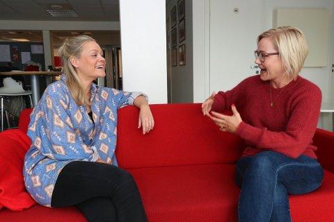 NASJONAL OPPMERKSOMHET: Kommunepolitiker Tonje Randisdatter Tunstad (sykepleier og Tromsø Ap) og stortingspolitiker Ingvild Kjerkol (Ap) diskuterer effekten av Tromsø-prosjektet pasientsentrert helseteam.