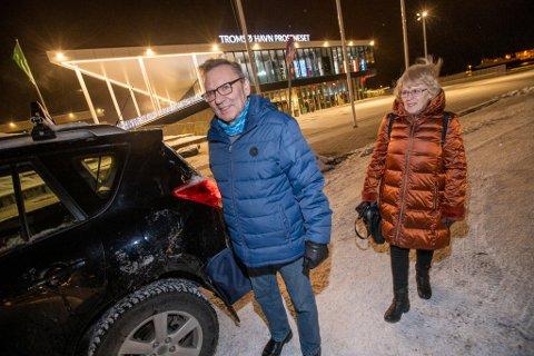 KOM SENT: Knut og Anne Lise Mikalsen ble forsinket til Tromsø, men verre er de mange kanselleringene i vinter, forteller de.
