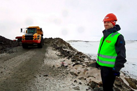 FORSINKET: Prosjektleder Stephan Klepsland i Tromsø Vind AS har bedt om utsettelse for ferdigstillelse av vindkraftverkene på Kvaløya. Utbyggerne taper store summer på forsinkelsene.