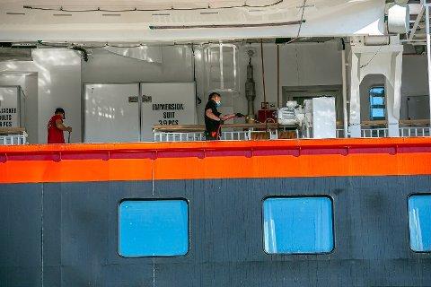 KORONARAMMET: Hurtigrutens to sommerseilaser, som de kjempet med myndighetene for å få lov å gjenomføre, ble rammet av koronasmitte. Da var det ukjent at Hurtigruten også tidligere hadde hatt koronasmitte ombord på ekspedisjonsskipene.