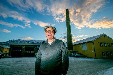 HER BLIR VI: I det gamle meieribygget på Strandveien har Bjørn Bønna Helberg flyttet Kaffebønnas hovedkontor og bakeriet Steike godt.