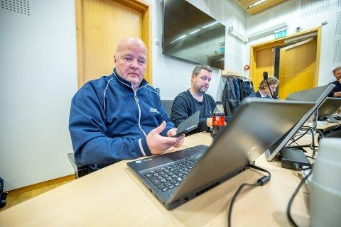 IKKE FORNØYD: Maskinentreprenør Roald Madsen er saksøkt av utbygger Total Betong fordi Madsen har holdt tilbake penger etter mangler ved nybygget på Stakkevollan. Mandag møtte han utbyggeren i retten.