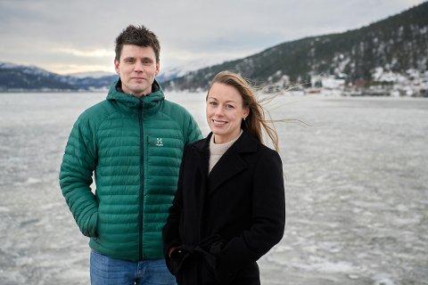 ÅPNER I TROMSØ: Alexander Lindseth, daglig leder, og Turid Korsnes Lian, økonomisjef, i Aqua Kompetanse, åpner kontor i Tromsø.