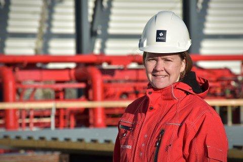 PROSJEKTLEDEREN: Elisabeth Eiternes står i spissen for prosjektet som bli godt synlig fra begge sider av Nærøysundet.