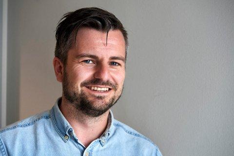 Jo Kristian Kvernland går fra jobben som kommunikasjonssjef ved Stiklestad nasjonale kultursenter som består av Stiklestad, Nils Aas kunstverksted, Egge museum, Stjørdal museum Værnes og Levanger fotomuseum.