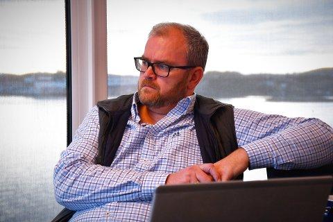 SKEPTISK: Daglig leder Lars Fredrik Mørch i Namdalskysten næringsforening roper varsko om fremtidig behov for fornybar energi i Ytre Namdal.