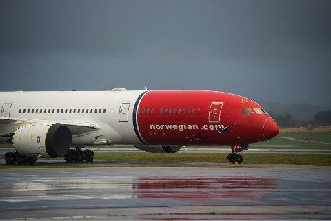 PÅ BAKKEN: Reiserestriksjoner rammer fortsatt flyselskapet Norwegian knallhardt.