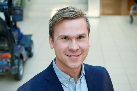 FULGTE BEDRIFTSSPORET: Adrian Barstad Aspli tok ei utdanning som landet en jobb i næringslivet – i heimkommunen Nærøysund.