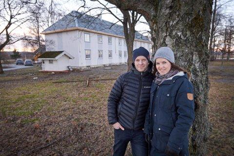 FÆBY: Jørund og Silje Eggen tok over familiegården på Fæby i 2013, og i 2019 åpnet restauranten og bryggeriet.