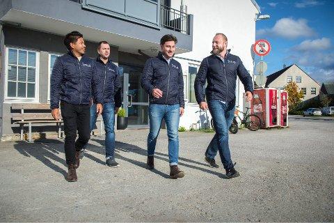 SATSER: Steinar Røkke, Marius Løften, Kristian Ulvik og Conrad Henriksen utgjør i dag arbeidsstokken i Intus AS. På sikt satser de på å bli betraktelig flere.