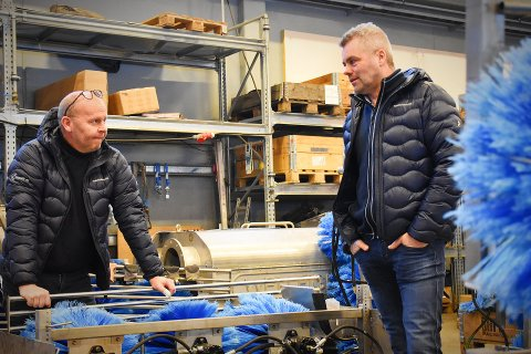 PROBLEMLØSERNE: Etter mange opp- og nedturer ligger det an til at 2021 blir et toppår for operasjonssjef Tore Mo og daglig leder Geir Skarstad i Skamik AS. Selskapet utvikler og produserer utstyr for mekanisk avlusing av oppdrettslaks.