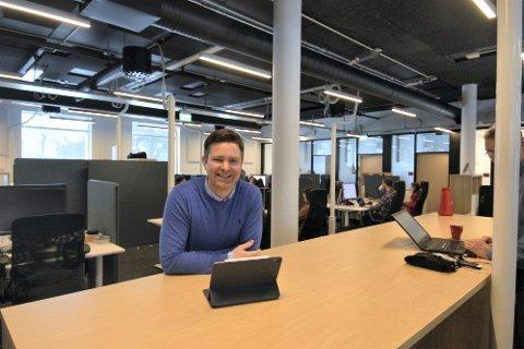 MULIGHETENES MARKED: Alexander Støvik Kjølstad peker InnoCamp som en viktig vekstimpuls i Smart Media. Koronapandemien åpner også nye markeder for digitalbyrået, som vokser kraftig i både inntekter og antall ansatte.