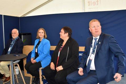 SAMMEN FOR SJØMATEN: Ole Haugen (Hitra), Kristin Furunes Strømskag (Frøya), Amund Hellesø (Nærøysund) og Rita Ottervik (Trondheim).