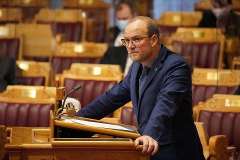 PRISKONTROLL: Ole André Myhrvold, som representerer Østfold for Senterpartiet, sier at om Sp går inn i regjering, vil de sette i gang et lovarbeid for å styre strømeksporten.