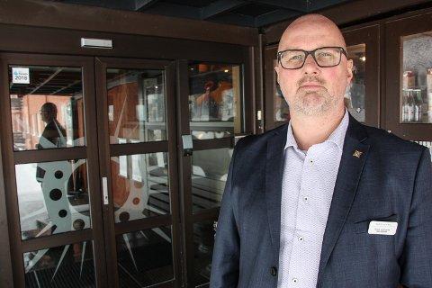 STØRST: Terje Lysholm er sjef for den største reiselivsbedriften i Fjellregionen. I løpet av koronapandemien har Røros Hotell mottatt 10,5 millioner kroner i koronastøtte. – Kompensasjonsordninga dekker deler av kostnadene, men langt fra alt, sier Lysholm. Arkivfoto: Inge Morten Smedås