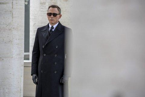 ORIGINALEN: Daniel Craig som James Bond i «Spectre». Nå spekuleres det i om Beitostølen kan bli location for en eller flere scener i den kommende «B25». Foto: Columbia Pictures
