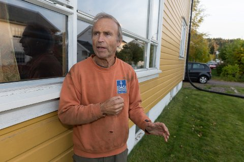 POLITISK DUGNAD: OA møtte Michael Hall (bildet) og Finn Olav Rolijordet hjemme hos sistnevnte. Duoen tok seg tid til å drive med litt snekring før forhandlingene med Ap, SV og MDG fortsetter denne uka.FOTO: HENNING GULBRANDSEN